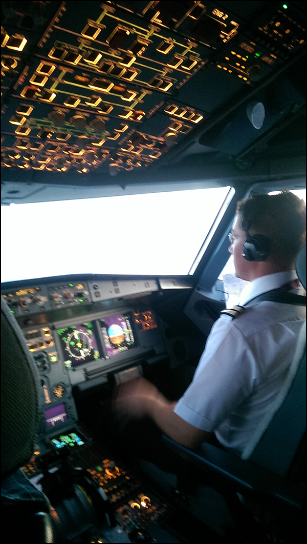 9: Mike Weeks - Airbus A320/321 Cadet First Officer